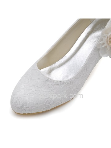 Elegant Low Heel White Almond Toes Flowers Bridal Lace Wedding Shoes (EP2130)